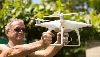 A quel âge minimum pouvons-nous piloter un drone en Europe ?